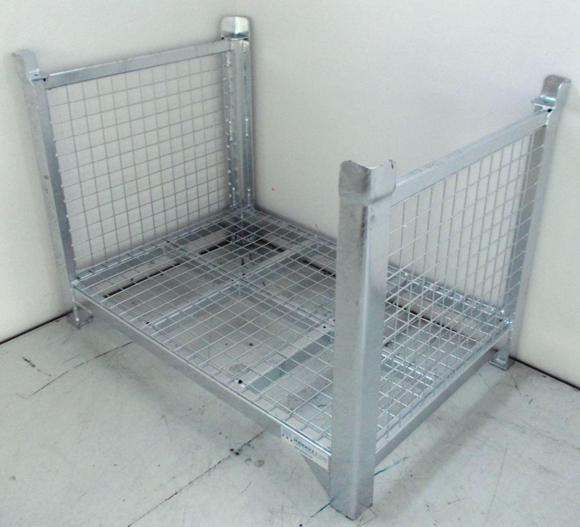 Lager- und Transportgestell mit Gitter