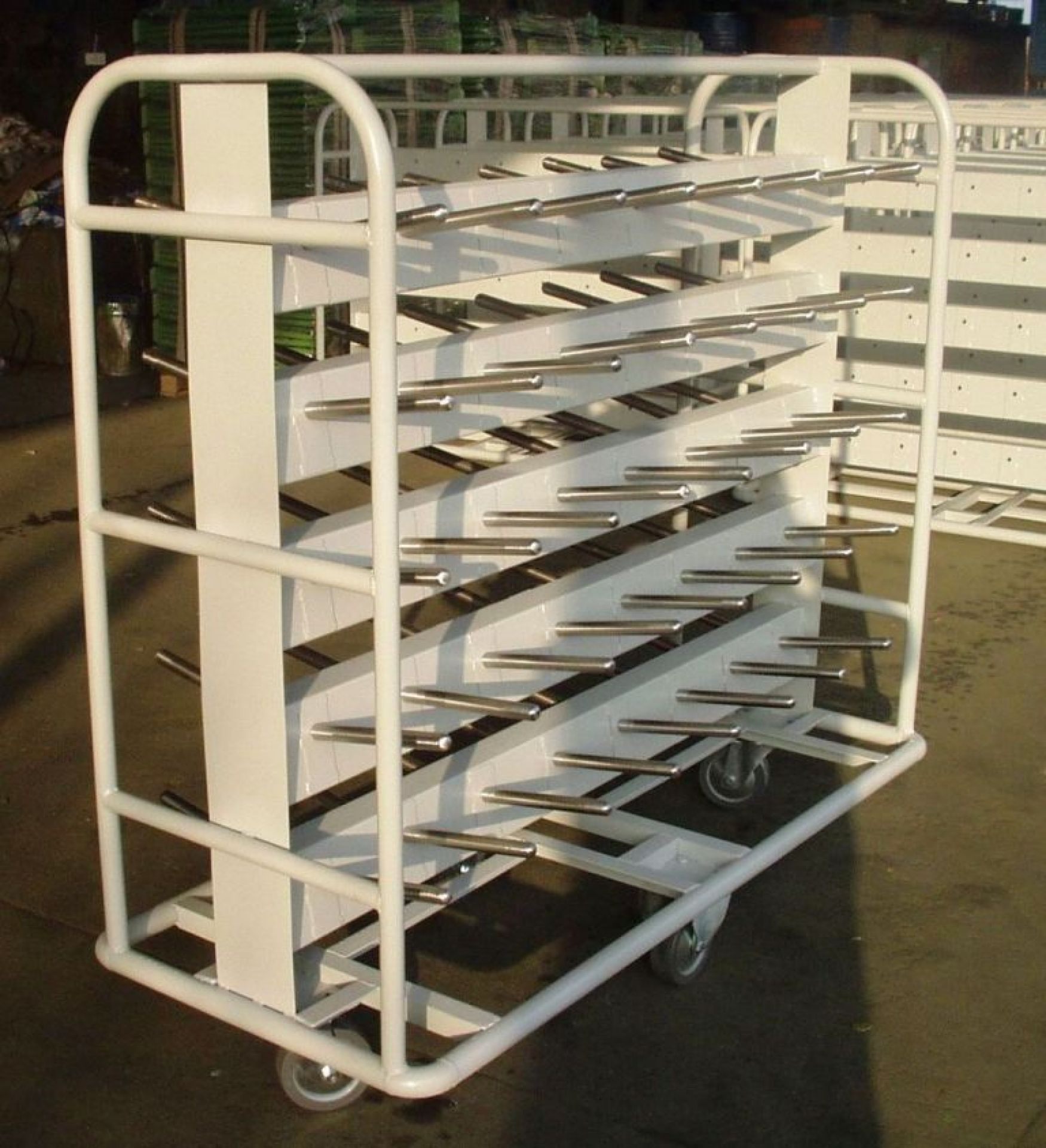 Spulenwagen rollbar für 80 Garnspulen