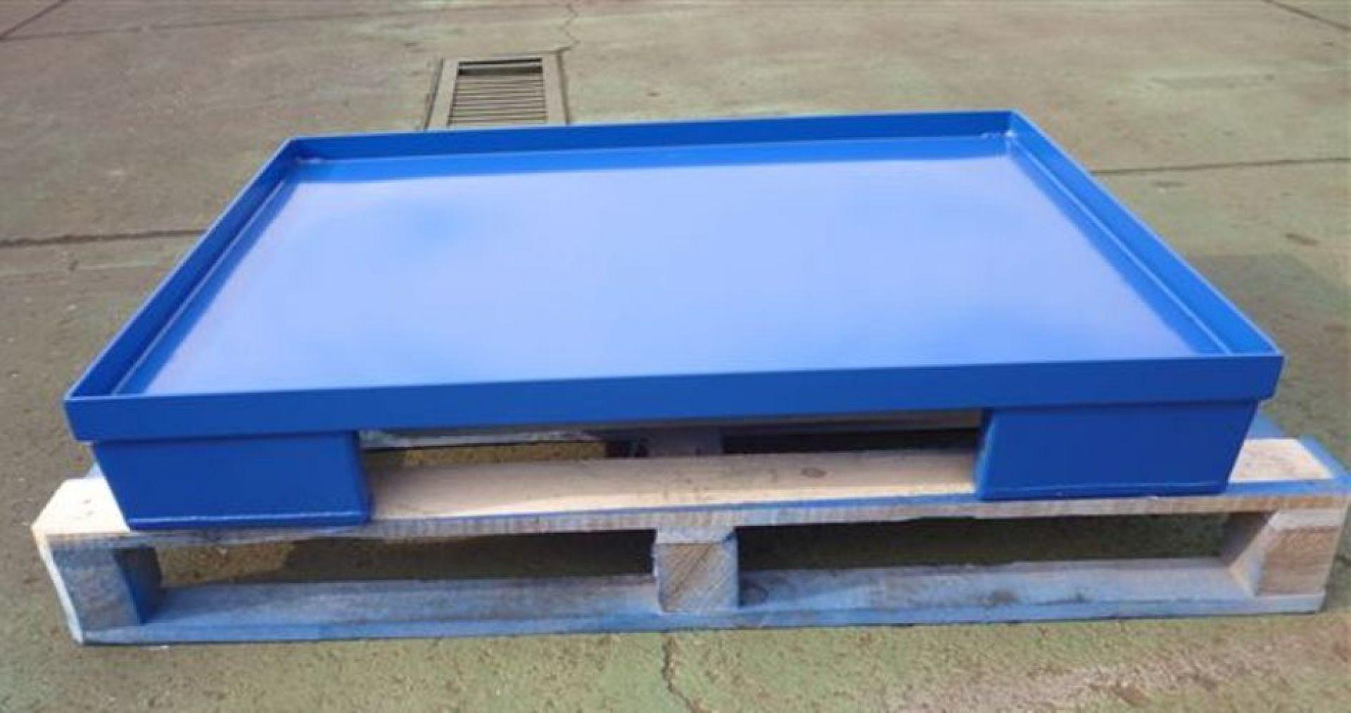 Stahlpalette mit Poolfuß Glattblechboden