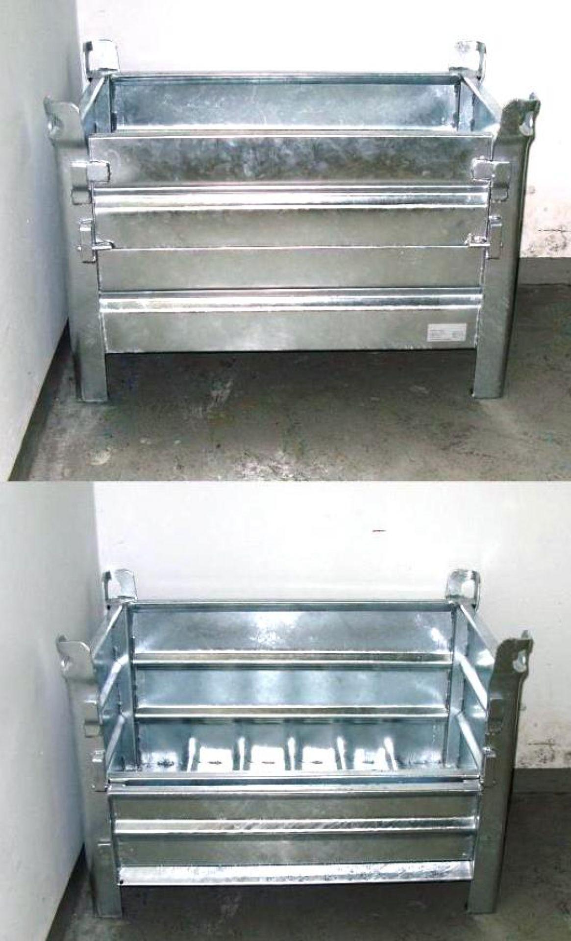 Behälter aus Stahl mit halber Klappe