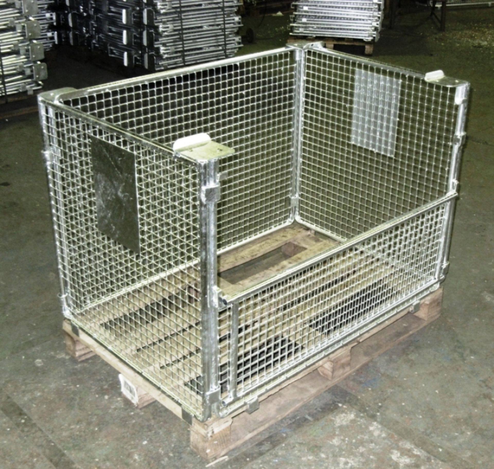Gitteraufsatzrahmen mit Gitter 30x30 und halber Klappe