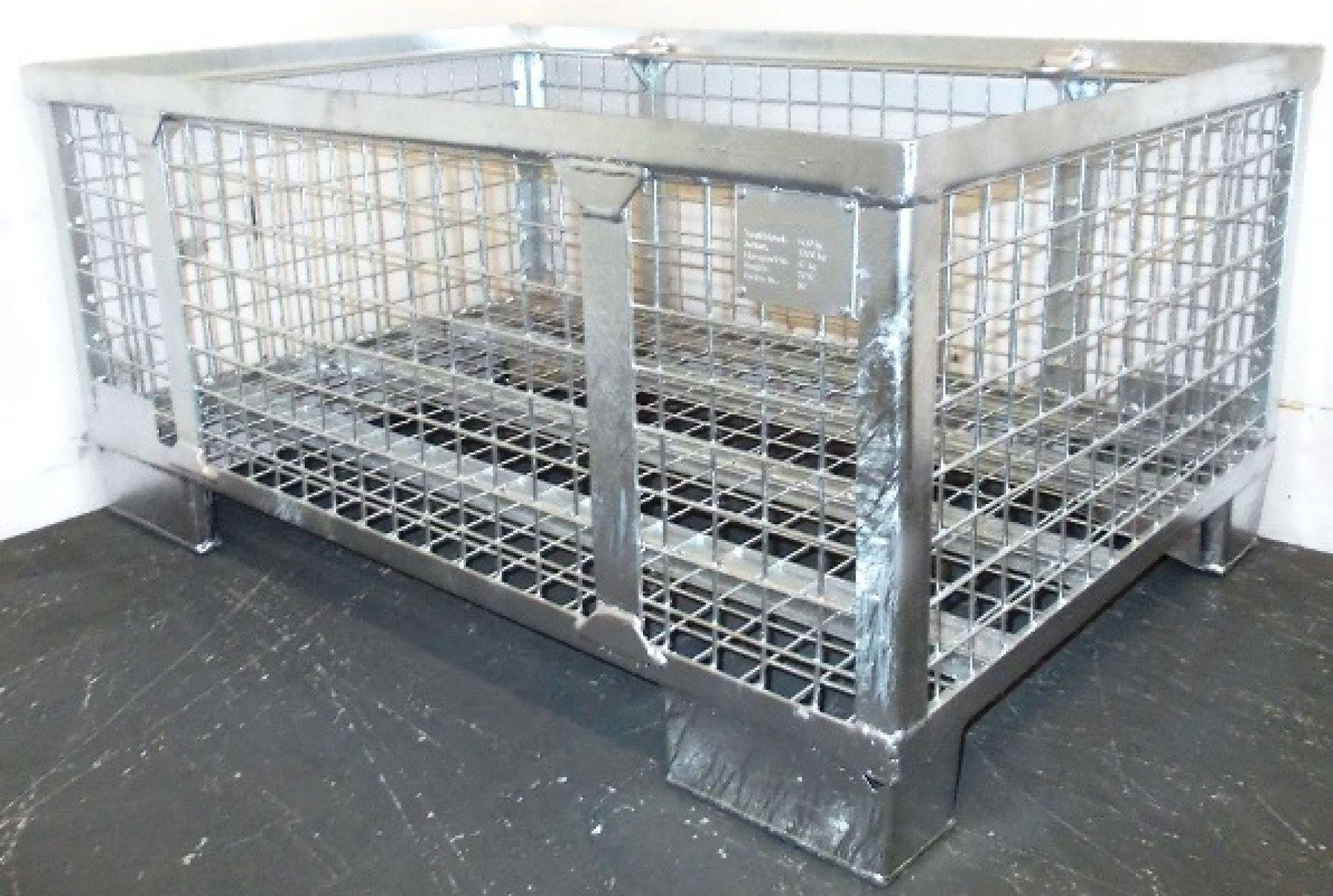 Faltbarer Gitterbehälter mit herausnehmbarer Längswand