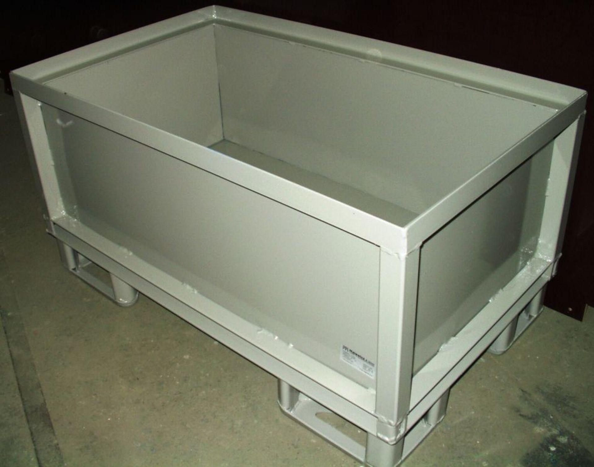 Lagerbehälter Automotive Glattblech