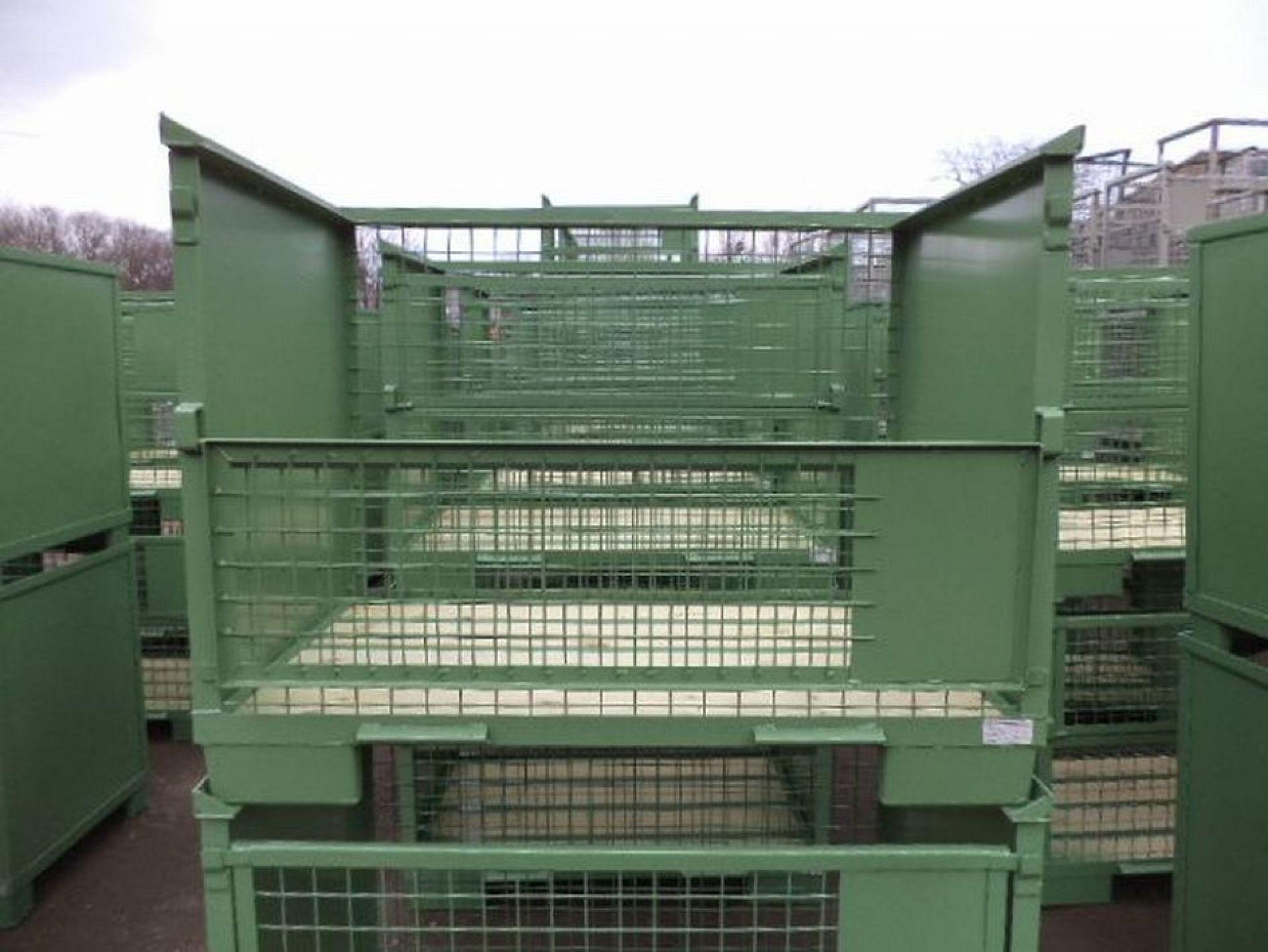 Gitterbehälter mit Blechwänden