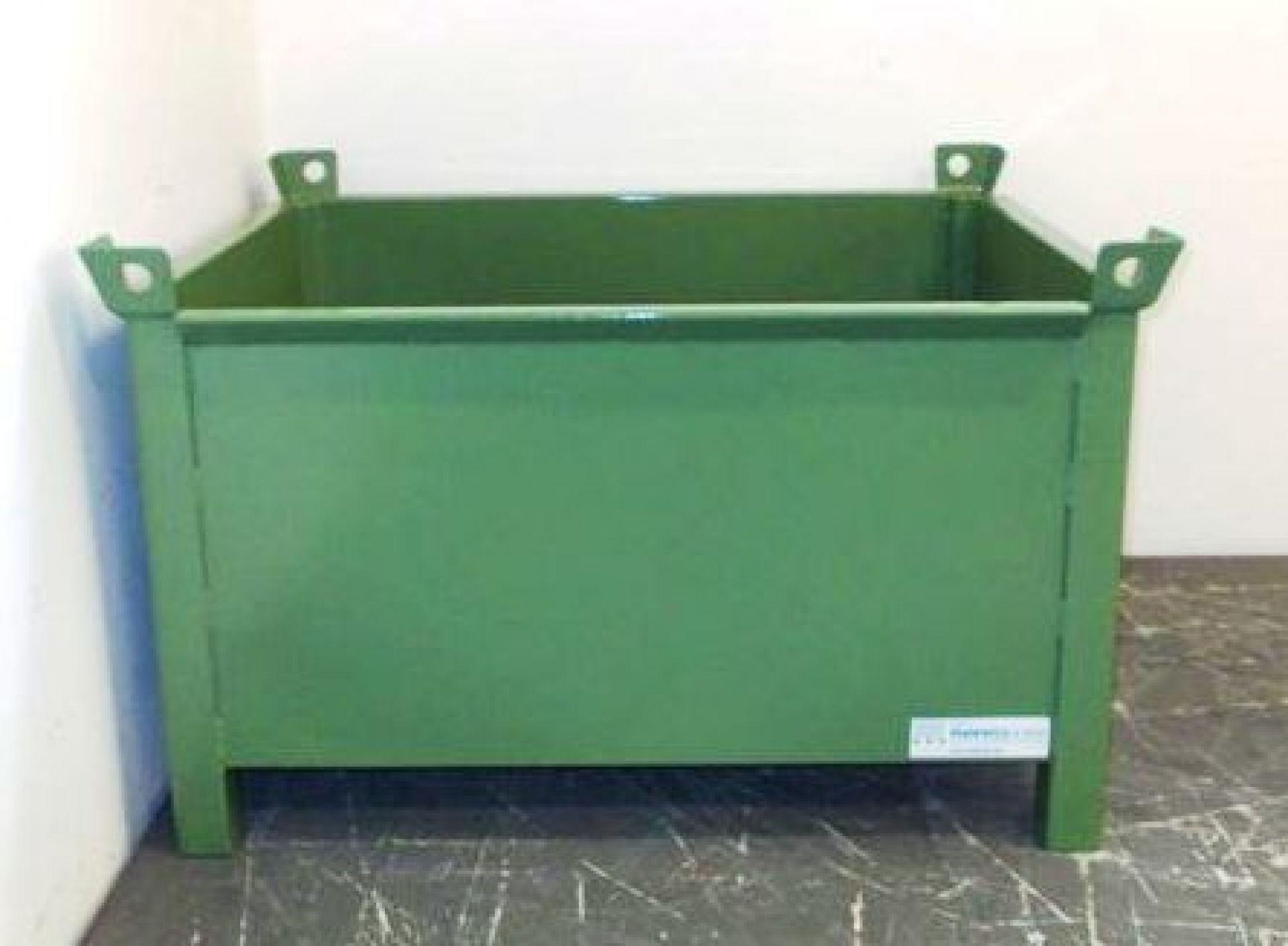 Stapelbehälter aus Glattblech öldichter Boden